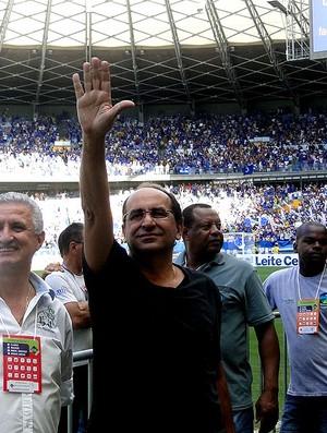 Gilvan de Pinho Tavares cruzeiro e Alexandre Kalil Atlético-mg mineirão (Foto: Mauricio Paulucci)