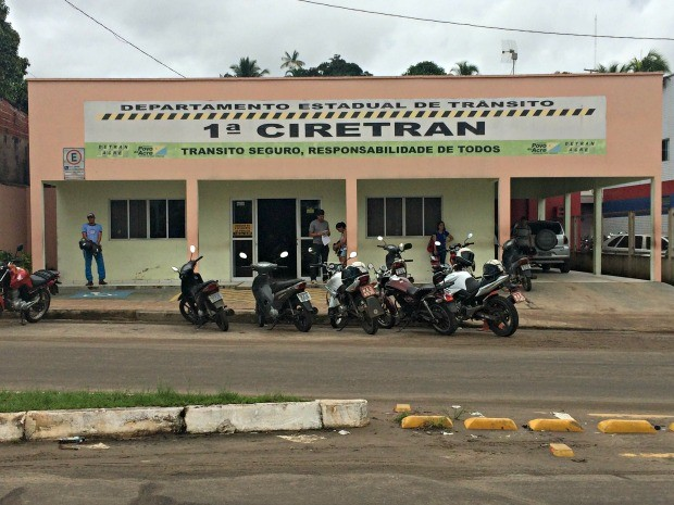 Ciretran em Cruzeiro do Sul (Foto: Taís Nascimento/G1)