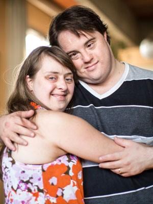 O ator Ariel Goldenberg e a mulher dele, Rita Pokk, protagonistas do filme 'Colegas' (Foto: Raul Zito/G1)
