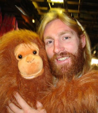 Nathan Grindal tem barba e cabelos longos parecido com a imagem de Jesus Cristo (Foto: Reprodução Facebook)