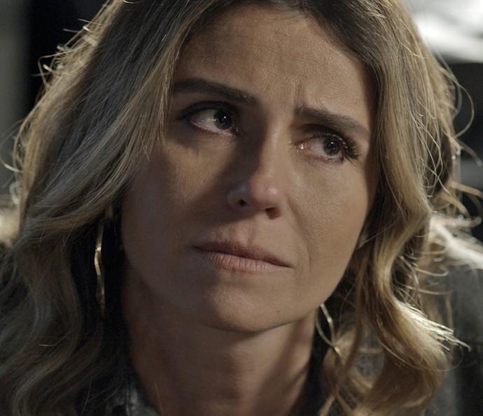 Atena sugere fugir (Foto: TV Globo)