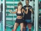 Grazi Massafera mostra barriga sarada em treino