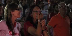 Festa de reinauguração faz  torcida chorar de emoção (Diego Guichard/GloboEsporte.com)