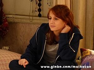 Giovana fica preocupada com Clara (Foto: Malhação / TV Globo)