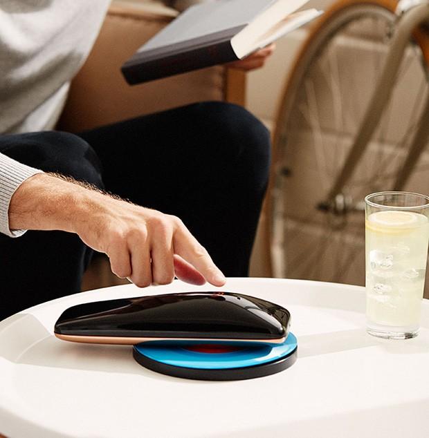 Yves Béhar desenvolve leitor de vinil com conexão wifi