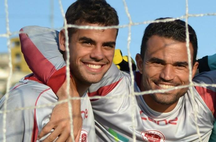 Victor e Felipe, goleiros da Desportiva Ferroviária (Foto: Henrique Montovanelli/Desportiva Ferroviária)
