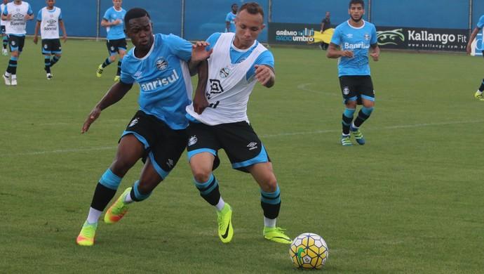 Everton Lincoln GRêmio (Foto: Eduardo Moura/GloboEsporte.com)