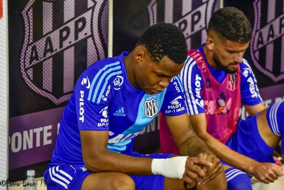Matheus Jesus foi vendido pela Ponte Preta ao Estoril, que deve repassá-lo ao Santos (Foto: Fabio Leoni/ PontePress)