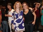 Cissa Guimarães vai a estreia de peça no Rio