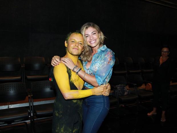 Matheus Nachtergaele e Grazi Massafera em teatro na Zona Sul do Rio (Foto: Marcello Sá Barretto/ Ag. News)