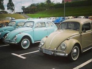 Encontro de carros antigos e de fusca no Galleria, em Campinas (Foto: Heitor Esmeriz)
