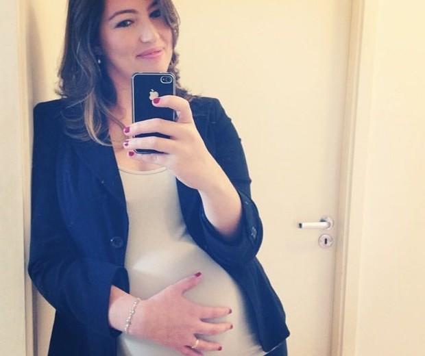 Aline engravidou naturalmente após um tratamento contra câncer de mama (Foto: Arquivo Pessoal)