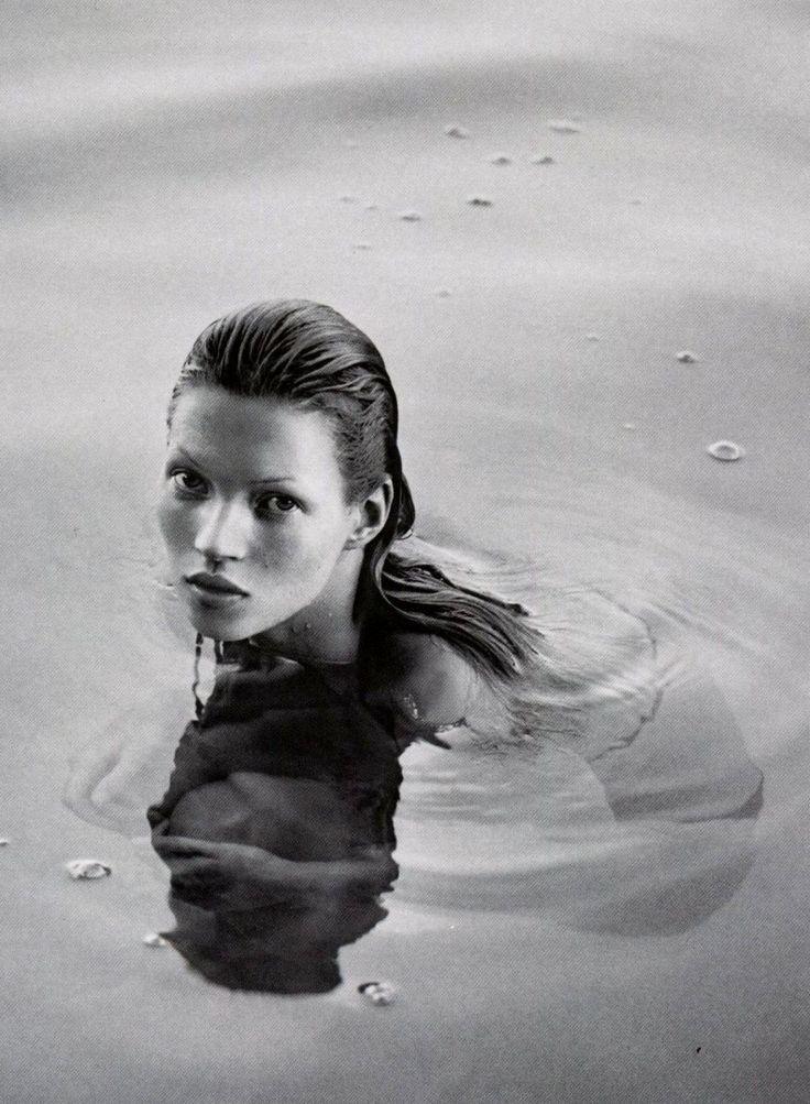 Obsession! Assista a vídeo inédito de Kate Moss na campanha da Calvin Klein nos anos 90 (Foto: Divulgação)