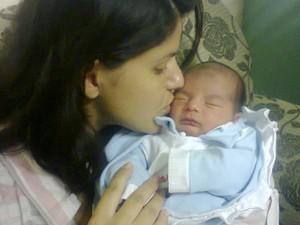 Aline Rodrigues durante o período de amamentação (Foto: Aline Rodrigues/Arquivo Pessoal)