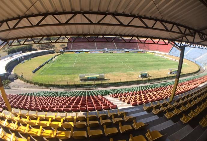Estádio Mario Helênio Juiz de Fora (Foto: Sofia Miranda)