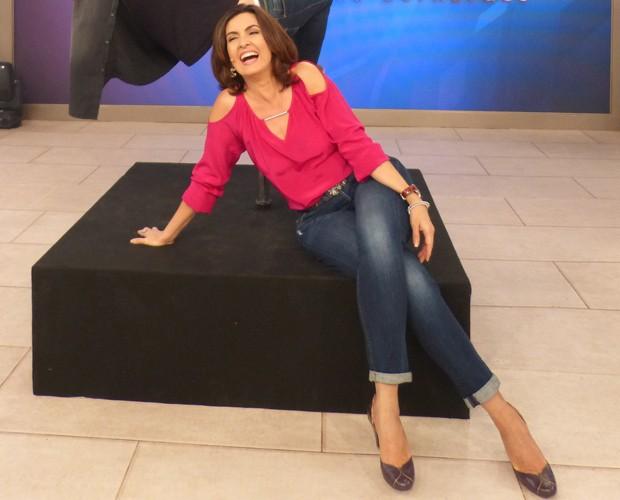 Fátima Bernardes se diverte na apresentação do Encontro (Foto: Cristina Cople / Gshow)
