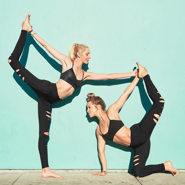 Fato: até iogues mais experientes, como Caitlin Turner, do insta @gypsetgoddess, já devem ter soltado um pum na ioga alguma vez na vida... (Foto: Instagram/Reprodução)