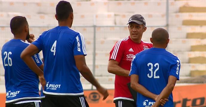Eduardo Baptista, técnico da Ponte Preta (Foto: Carlos Velardi/ EPTV)