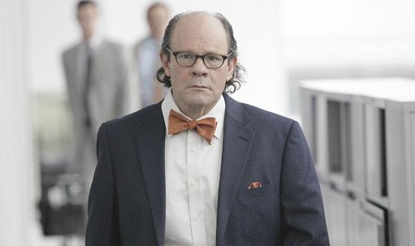 O especialista forense vai irritar a dupla de detetives (Foto: Divulgação / Twentieth Century Fox)