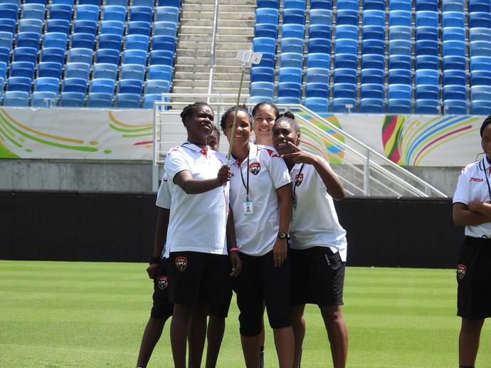 Jogadoras de Trinidad e Tobago na Arena Dunas (Foto: Cíntia Barlem)
