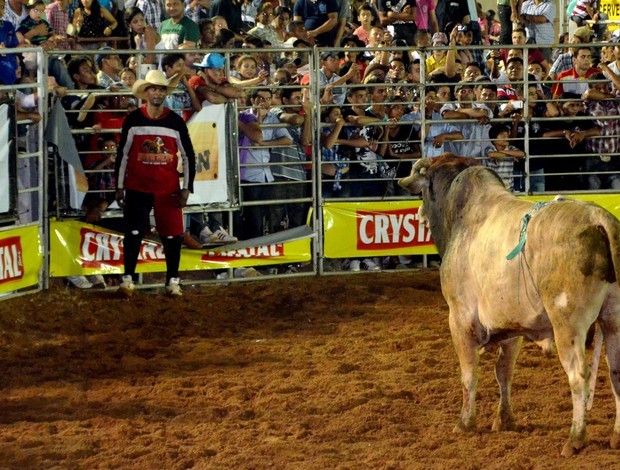 Ronam salva-vidas do rodeio  (Foto: Nathacha Albuquerque/GE)