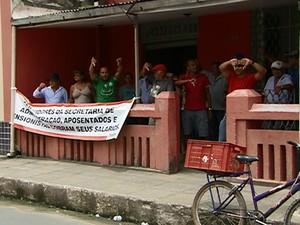 Servidores de Palmares estão sem receber há dois meses (Foto: Reprodução/ TV Asa Branca)