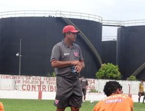 Eduardo Ortiz CRB (Foto: Viviane Leão/GLOBOESPORTE.COM)