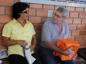 Casal cuida de estudante que vai fazer a prova pela 1ª vez (Foto: Graziela Rezende/G1 MS)