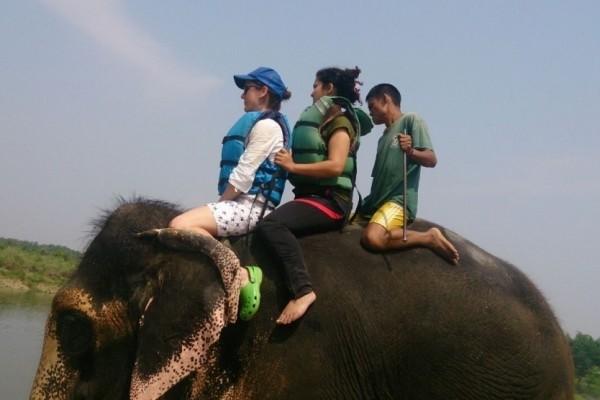 Camila Matiello Redins, de 32 anos, passava férias em Katmandu. (Foto: Camila Matiello/ Arquivo Pessoal)