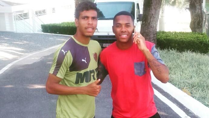 Mateus e Robinho (Foto: Reprodução / Facebook)