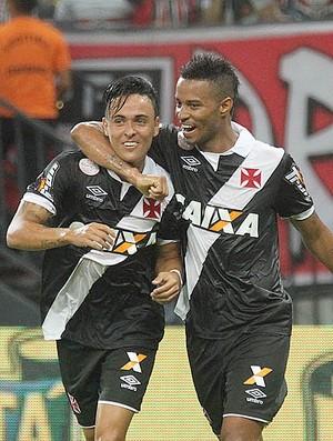 Montoya e Rafael Silva Vasco (Foto: Marcelo Sadio/vasco.com.br)