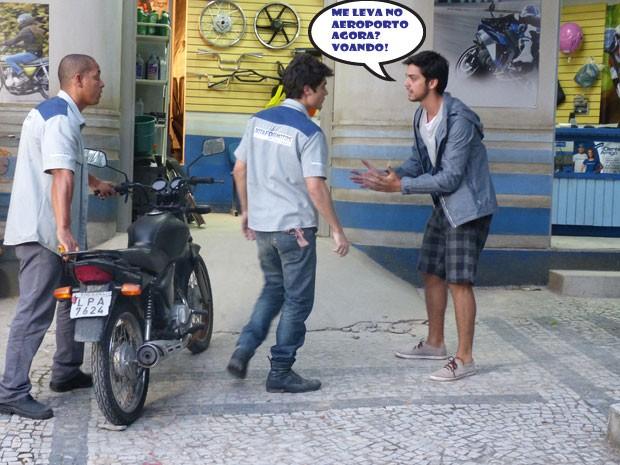 Ih gnt, o Bruno pediu a ajuda do Vitinho para ir atrás da Fatinha (Foto: Malhação/ TV Globo)