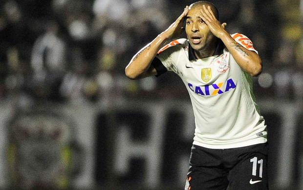 Emerson Corinthians e Bahia (Foto: Marcos Ribolli)