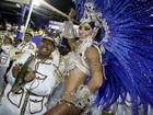 Veja mais fotos de Aline Riscado durante desfile na Sapucaí