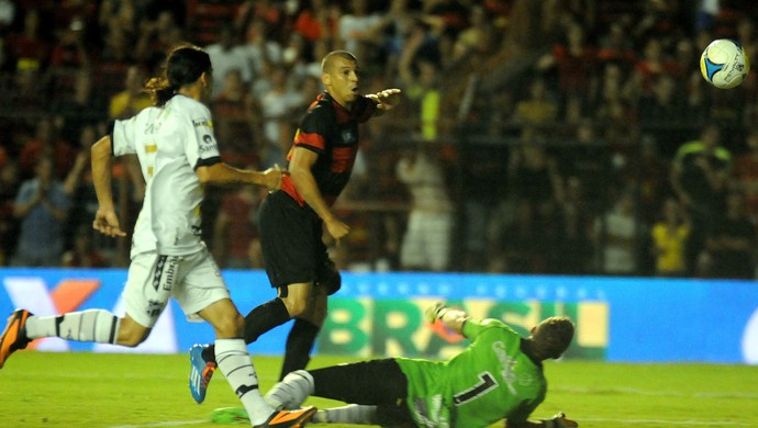 sport x ceará neto baiano (Foto: Aldo Carneiro / Pernambuco Press)