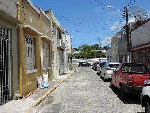 População também teme que casario protegido que fica entre a Rua Capitão Lima e a Avenida Mário Melo percam calmaria e se isolem em meio às novas construções (Foto: Marina Barbosa / G1)