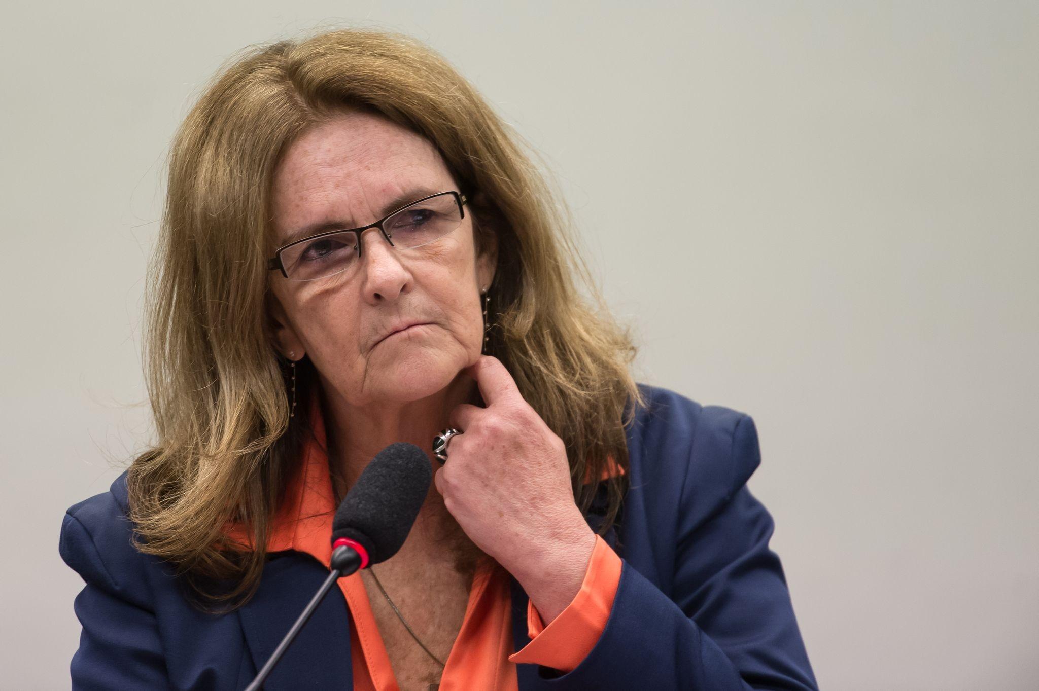 """""""Eu tenho muita vergonha"""", afirma Graça sobre corrupção na Petrobras"""
