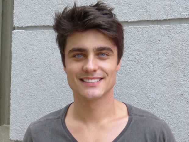 Guilherme está pronto para encarar a nova fase da trama, na pele de Vitor (Foto: Malhação / Tv Globo)