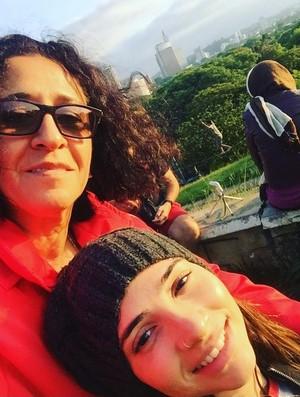 Lais Souza e a mãe Odete (Foto: Reprodução)