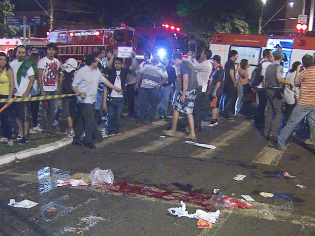Jovem morreu atropelado por carro modelo SUV durante protesto em Ribeirão Preto (Foto: César Tadeu/EPTV)