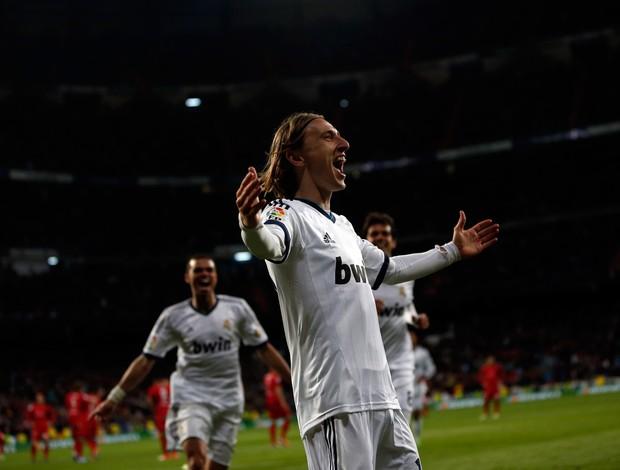 Luka Modric gol Real Madrid (Foto: Reuters)