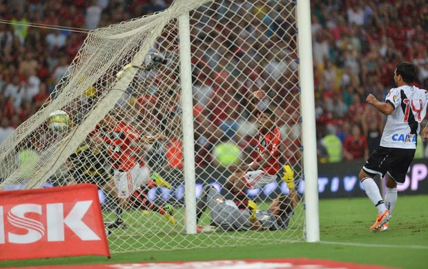 Marcio Araujo gol, Flamengo x Vasco (Foto: André Durão)