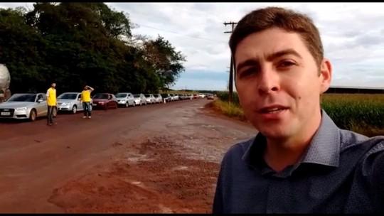 Posto de combustíveis vende gasolina a R$ 2,53, e motoristas fazem fila