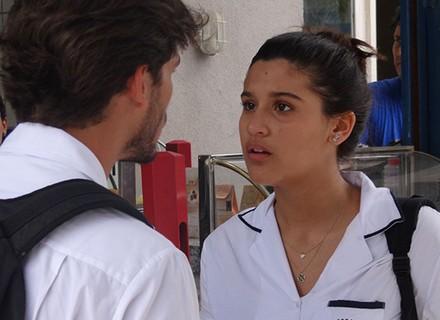 Lívia fica bolada com Roger por causa do atropelamento de Ciça