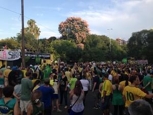 Após marcha pela cidade, grupo retornou para o Parcão (Foto: Caetanno Freitas/G1)