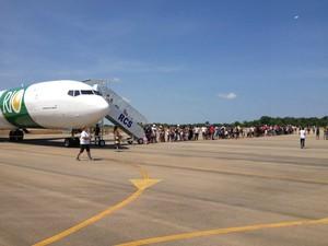 Milhares de pessoas estiveram presentes para prestigiar o evento na Base Aérea de Porto Velho (Foto: Ivanete Damasceno/G1)