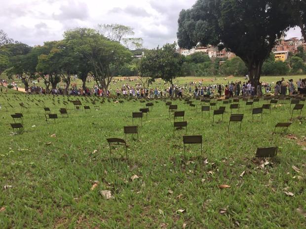 Cerca de 20 mil pessoas devem passar pelos cemitérios de Ipatinga (Foto: Farley Vasconcellos / Inter Tv dos Vales )