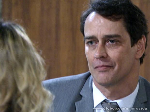 Eron avisa que mudou de ideia (Foto: Amor à Vida\TV Globo)