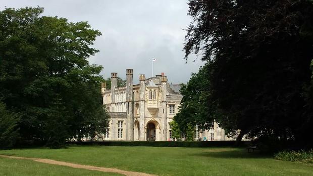 Highcliffe Castle, na cidade de Christchurch, perto de Londres (Foto: Arquivo pessoal)
