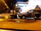 Carro pega fogo em avenida de Sorocaba; veja vídeo